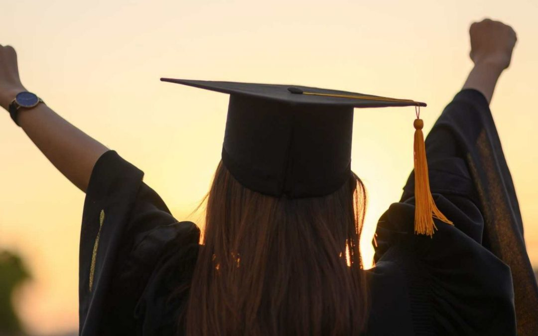 Nursing Graduation Gifts: What's The Best For Your New Grad?